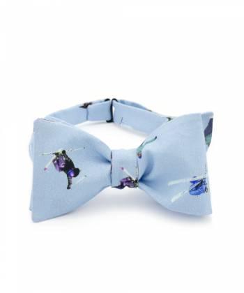 Галстук-бабочка классическая из голубого хлопка с узором Сноуборд vs Лыжи