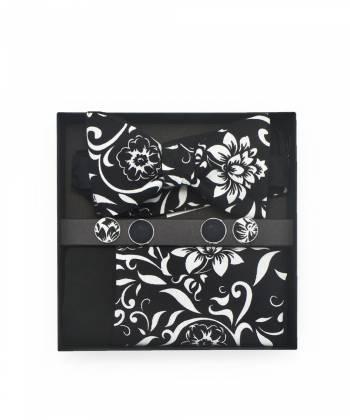 Подарочный набор галстук-бабочка с нагрудным платком и запонками с узором георгин в черном