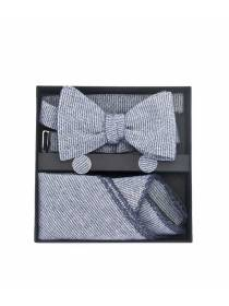 Подарочный набор галстук-бабочка с нагрудным платком и запонками Синий иней