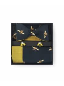 Подарочный набор галстук-бабочка с нагрудным платком и запонками Пчелки
