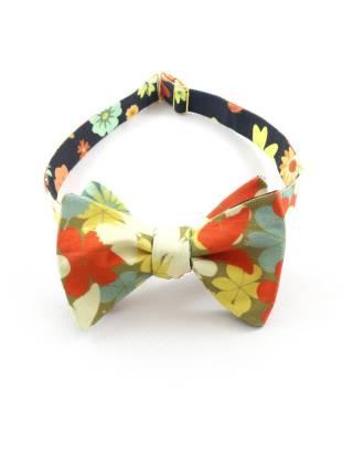 Галстук-бабочка разноцветная с крупными цветами из хлопка