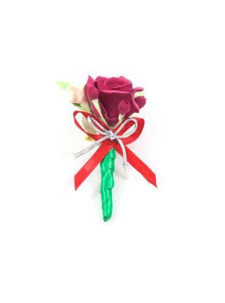 Свадебная бутоньерка алая роза, ягоды и гортензия
