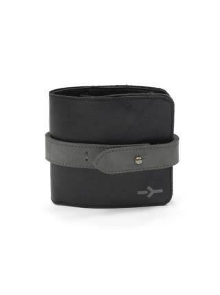Компактное портмоне черного цвета из кожи