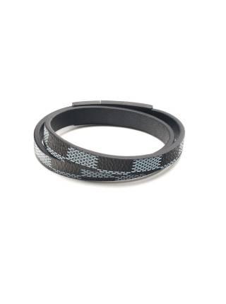 Мужской кожаный браслет cо стальной магнитной застежкой из трёх частей черного цвета