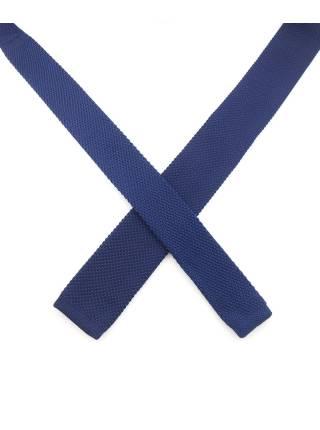 Вязаный галстук темно-синего цвета однотонный объемного плетения