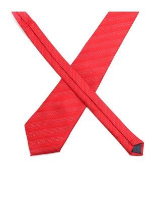 Красный галстук в полоску с белыми вставками