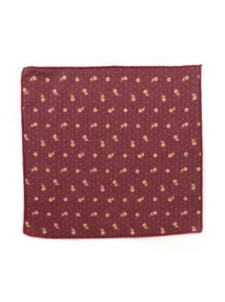 Нагрудный платок бордового цвета с оранжевыми цветочками