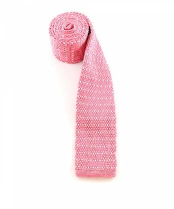 Вязаный галстук розового цвета в белый горошек