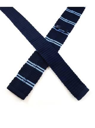 Вязаный галстук синего цвета в голубую полоску