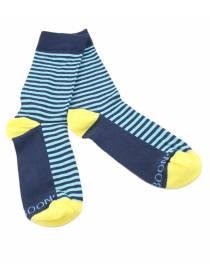 Синие мужские носки в голубую полоску с желтой пяткой