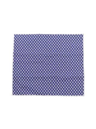 Нагрудный платок синего цвета с геральдическими лилиями