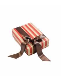 Подарочная упаковка Классика в красную полоску